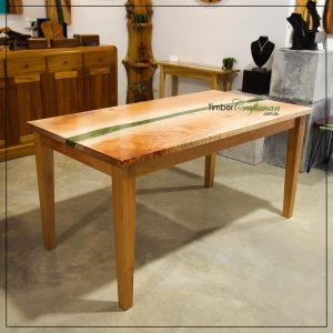 custom-designed-handcrafted-queensland-maple-dining-table-handcrafted-in-eumundi-by-david-suters-timbercraftsman