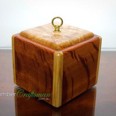 4032 Forest Oak and Camphor Laurel Bespoke Keepsake Box handcrafted by David Suters Timbercraftsman
